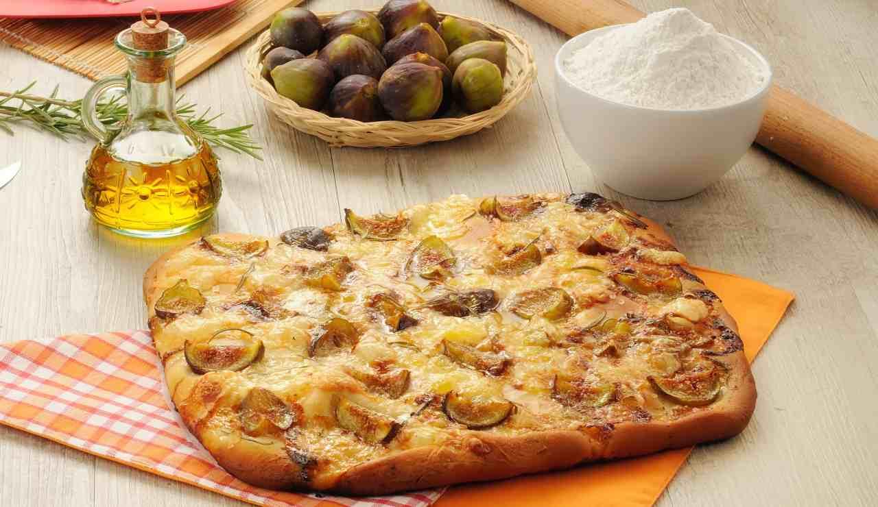 Focaccia soffice fichi e gorgonzola ricettasprint