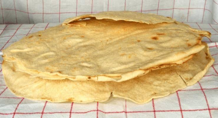 pane carasau con prosciutto