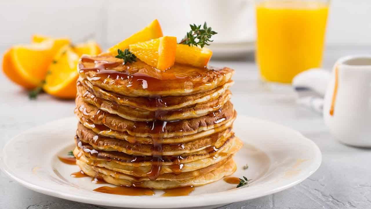 Pancake con arancia e albumi