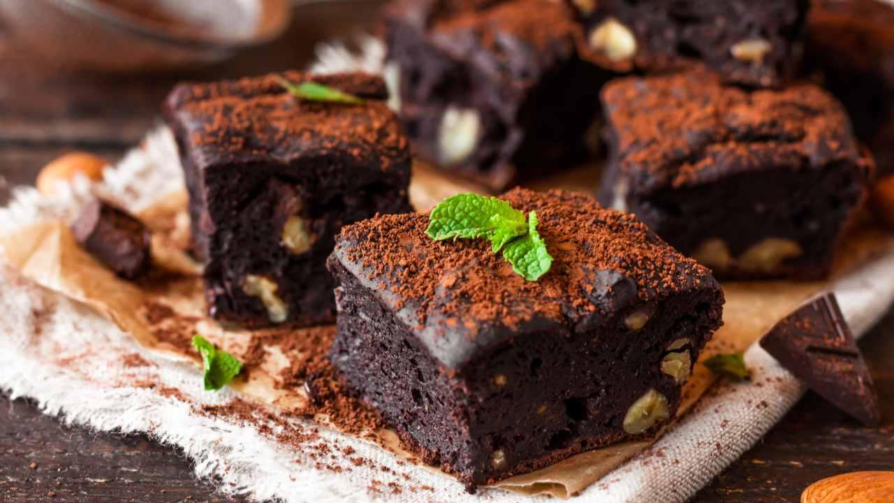 Torta cioccolato fondente e pistacchi
