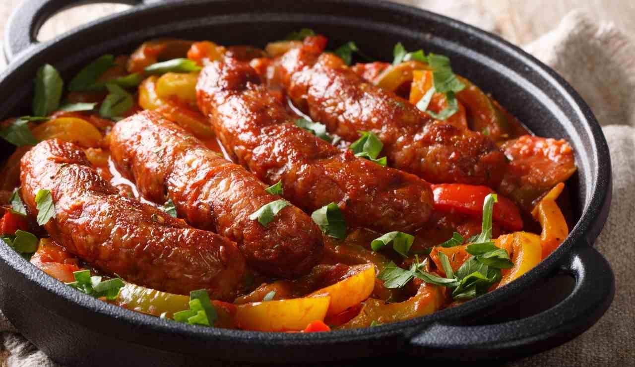 Salsicce con peperonata dolce ricettasprint