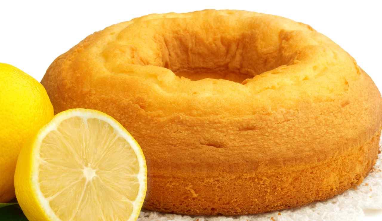 Torta ciambella al limone