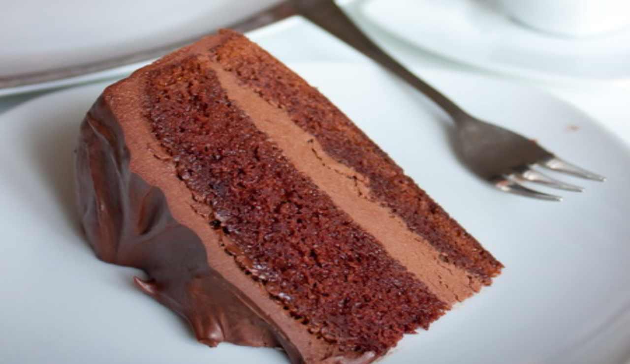 Torta soffice nutella senza cottura
