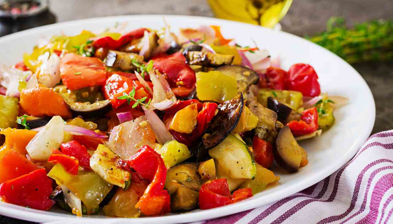 Verdure fresche arrostite condite con miele d'acacia