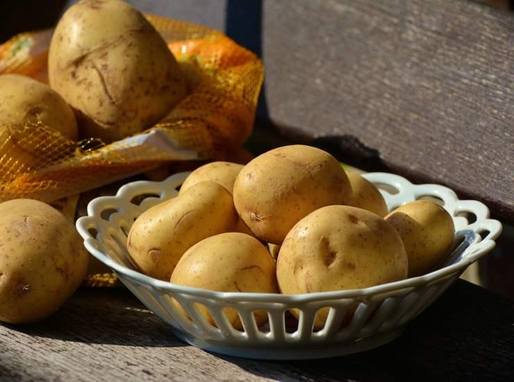 Torta salata con patate gorgonzola e pancetta ricetta