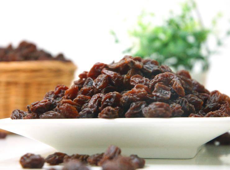 Biscotti integrali con fiocchi di avena e uvetta ricetta