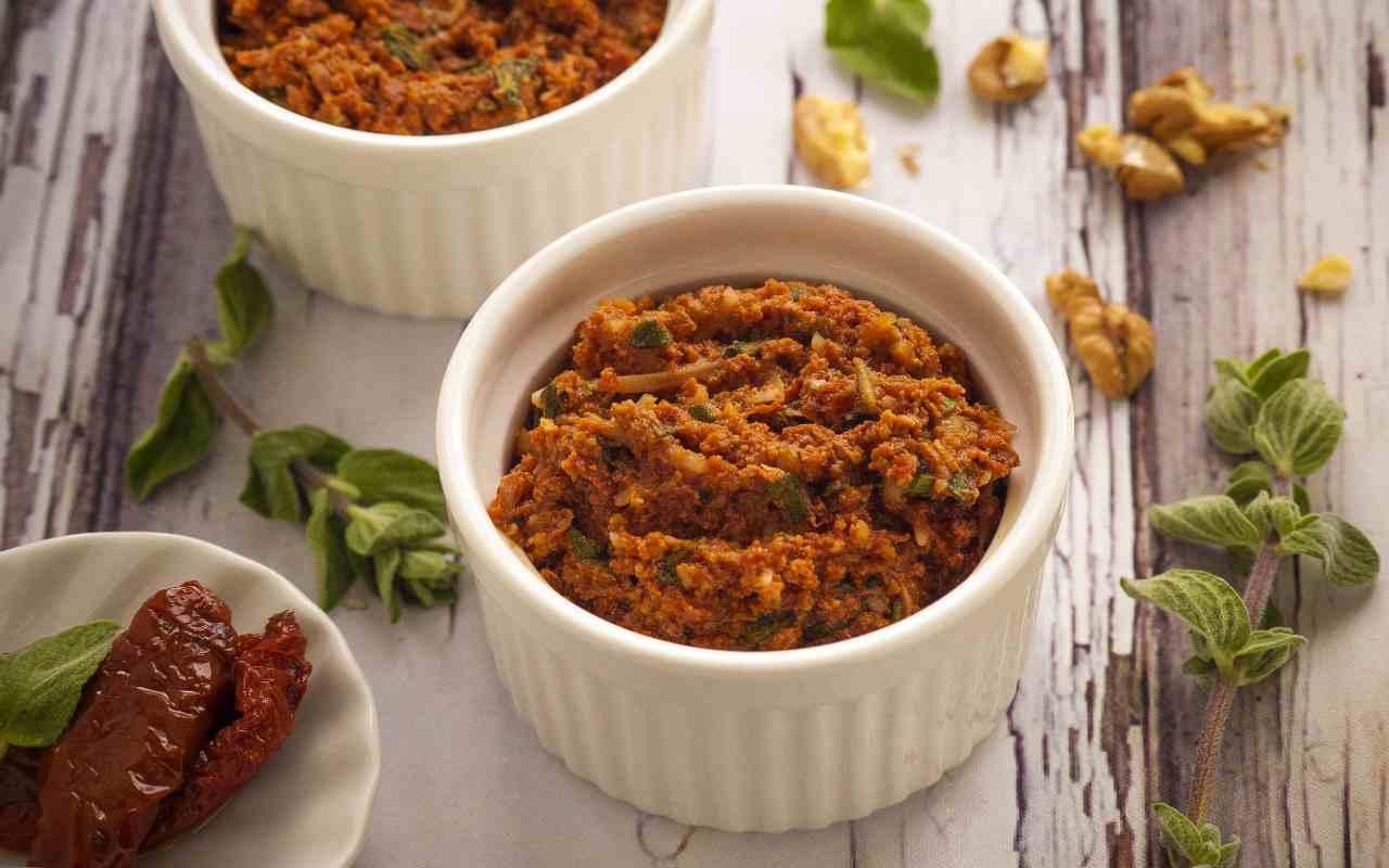crema pomodoro basilico mandorle ricetta FOTO ricettasprint