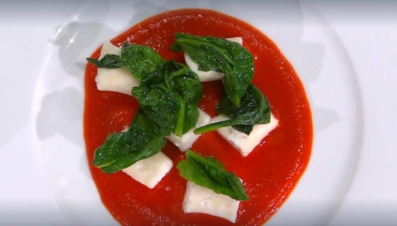 E' sempre mezzogiorno   Ricetta della chef Caterina Ceraudo   Gnocchi di ricotta con peperoni