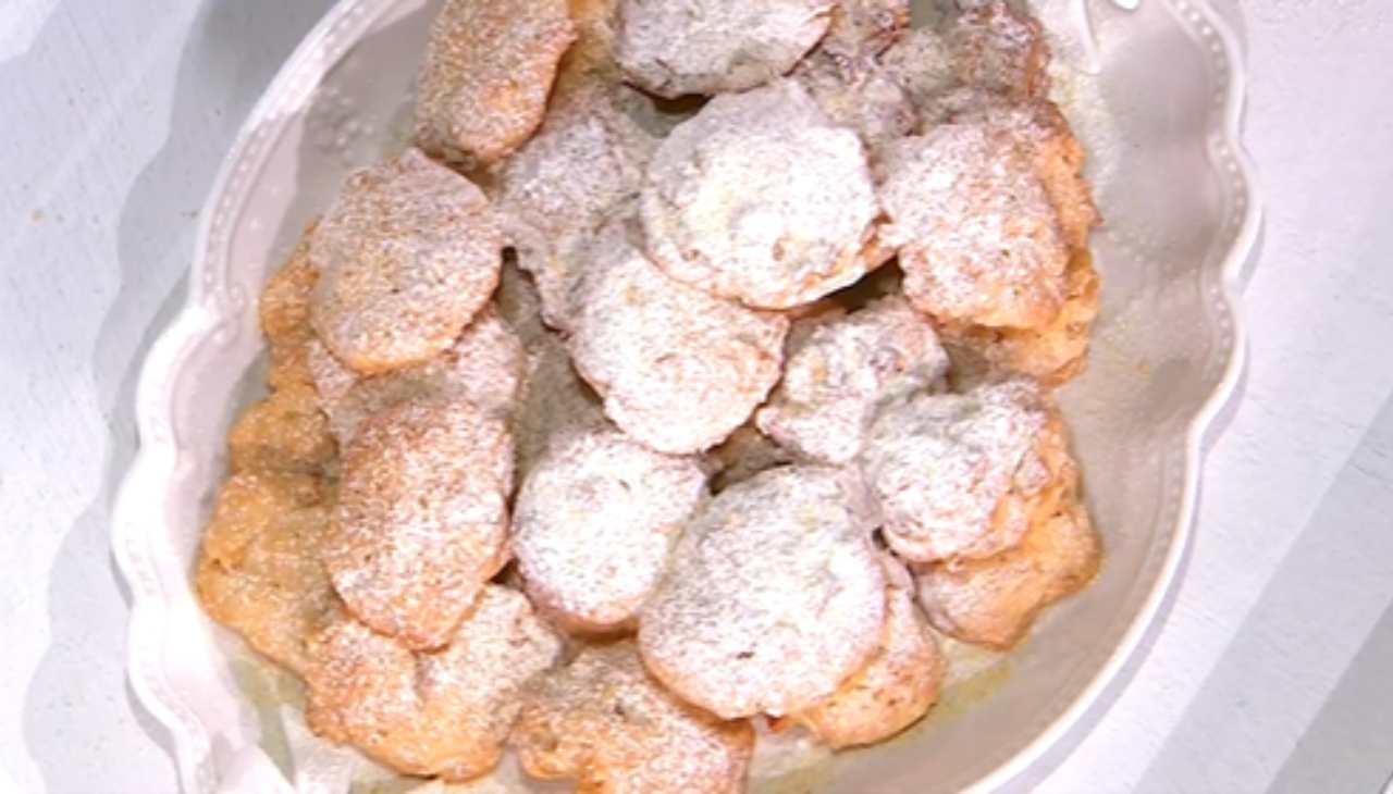 E' sempre mezzogiorno   Ricetta della chef Zia Cri   Biscotti facili alle mele