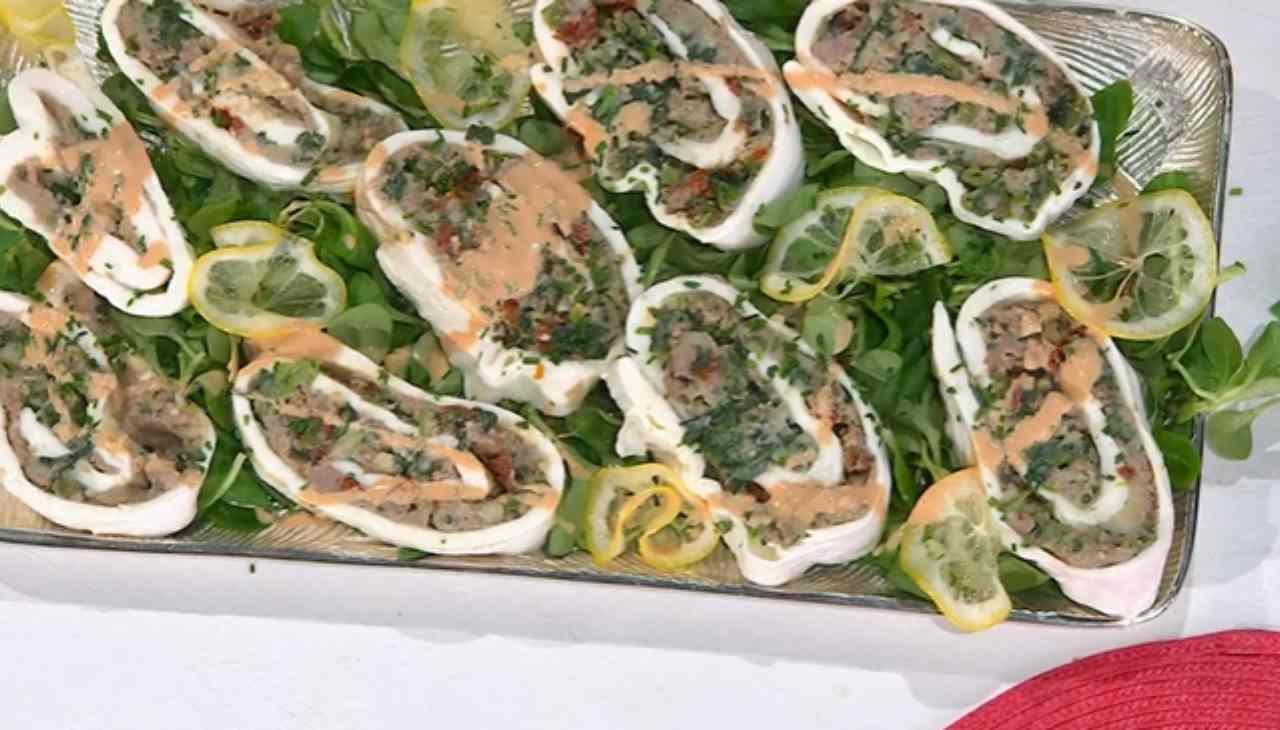 E' sempre mezzogiorno | Ricetta dello chef Simone Buzzi | Rotolo di mozzarella ripieno