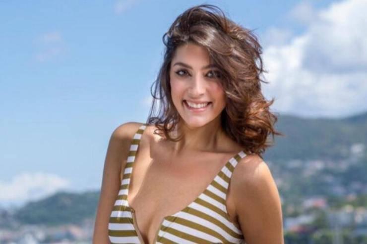 Elisa Isoardi look da stadio - RicettaSprint