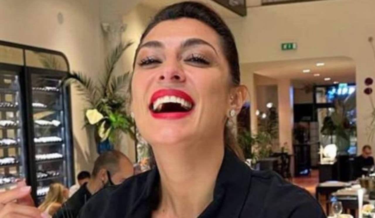 Elisa Isoardi scollatura vertiginosa - RicettaSprint