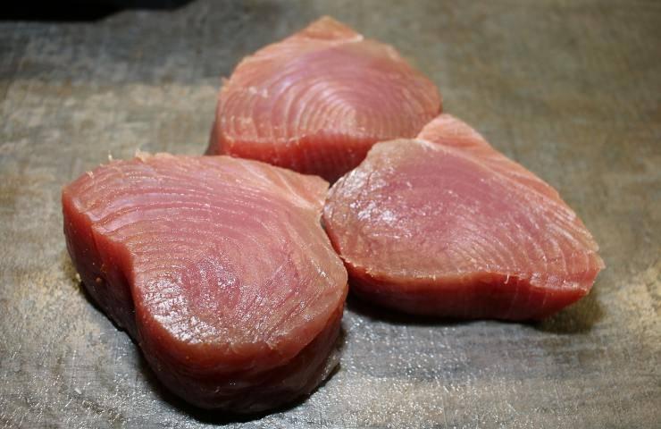 Filetto di tonno con acido ascorbico in eccesso
