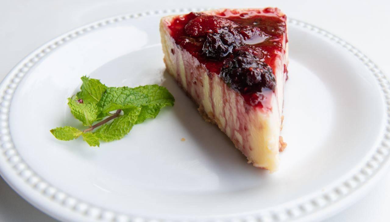 Torta allo yogurt leggera con marmellata light