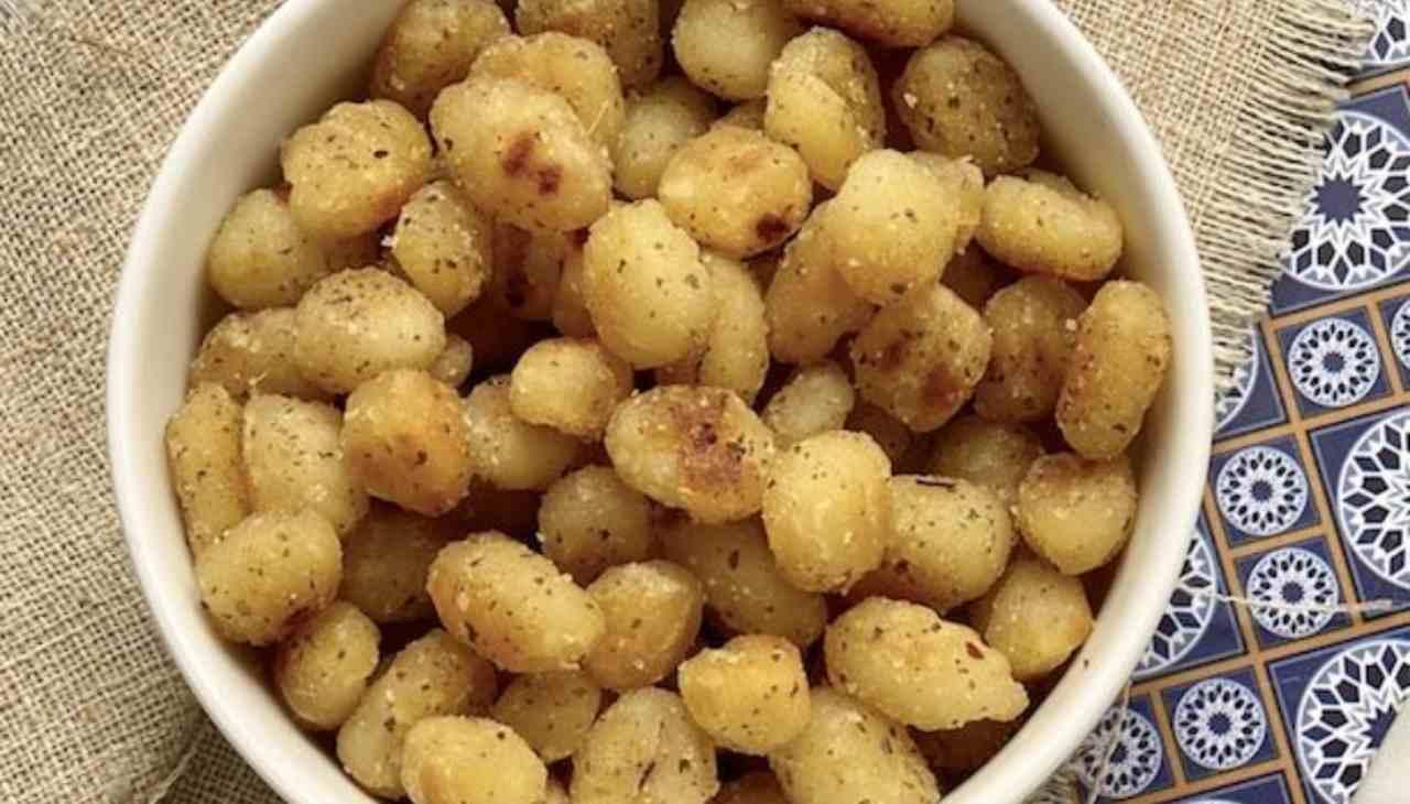 Finger food di tuberi fritti
