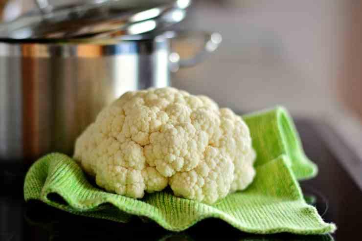 Insalata cavolfiore peperoni e formaggio FOTO ricettasprint