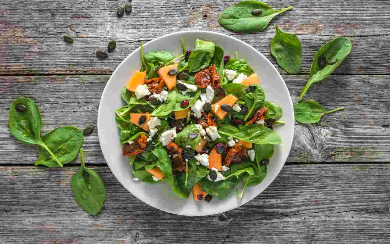 insalata feta melone olive ricetta FOTO ricettasprint