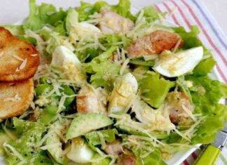 insalata avocado pollo uova ricetta FOTO ricettasprint