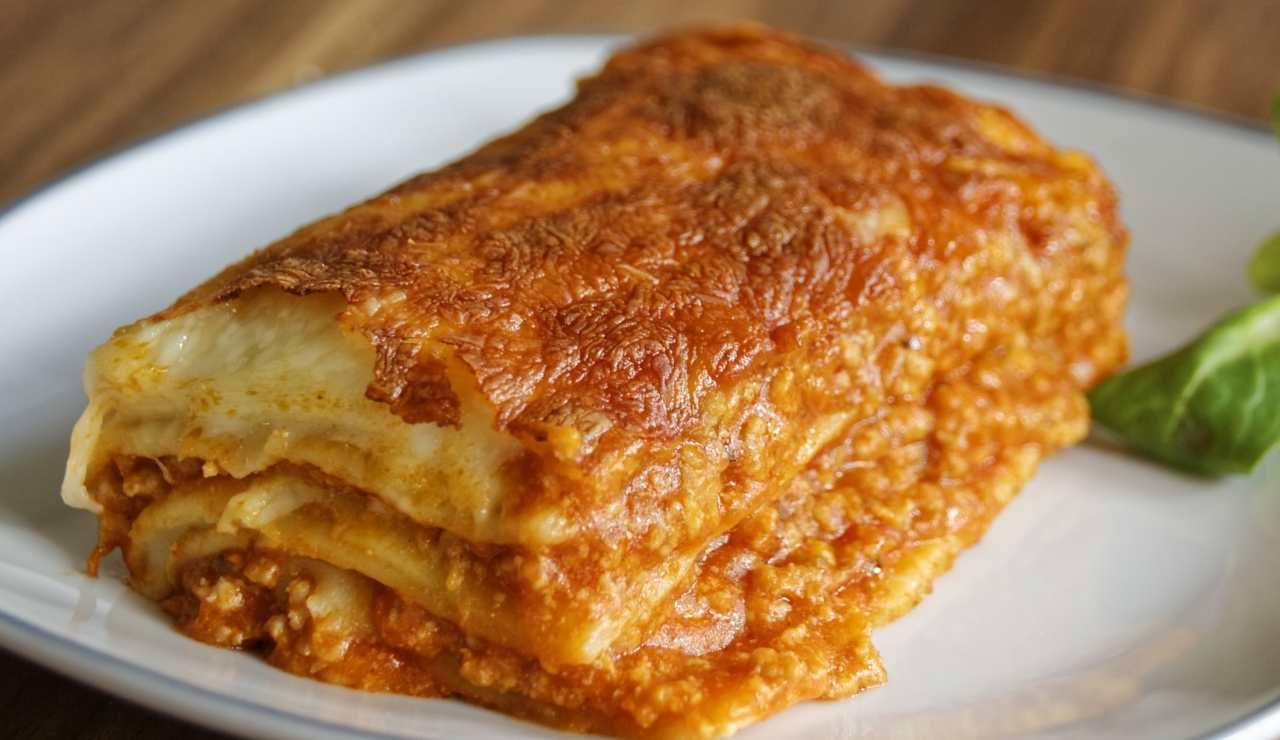 Lasagna filante al pomodoro e fontina ricettasprint