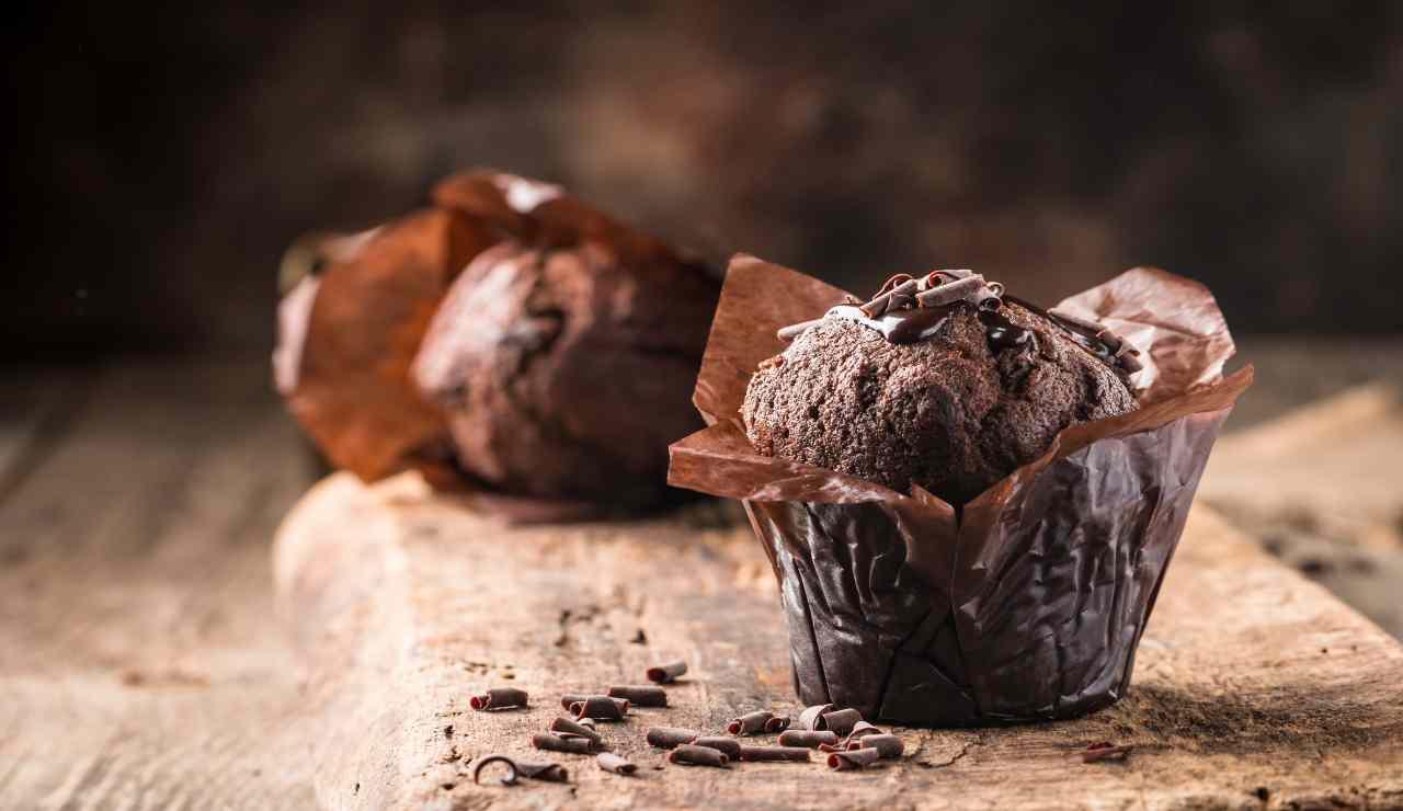 Muffin all'acqua al cioccolato  AdobeStock