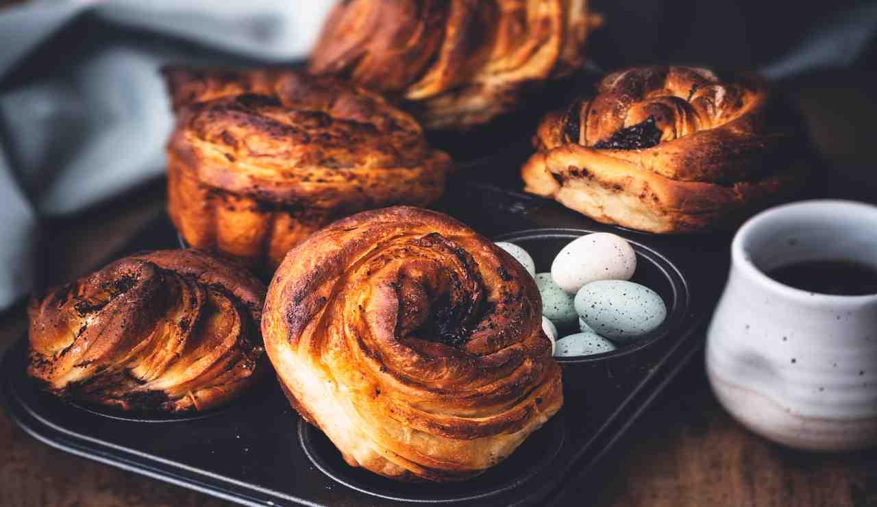 Muffin sfogliati al cioccolato   AdobeStock