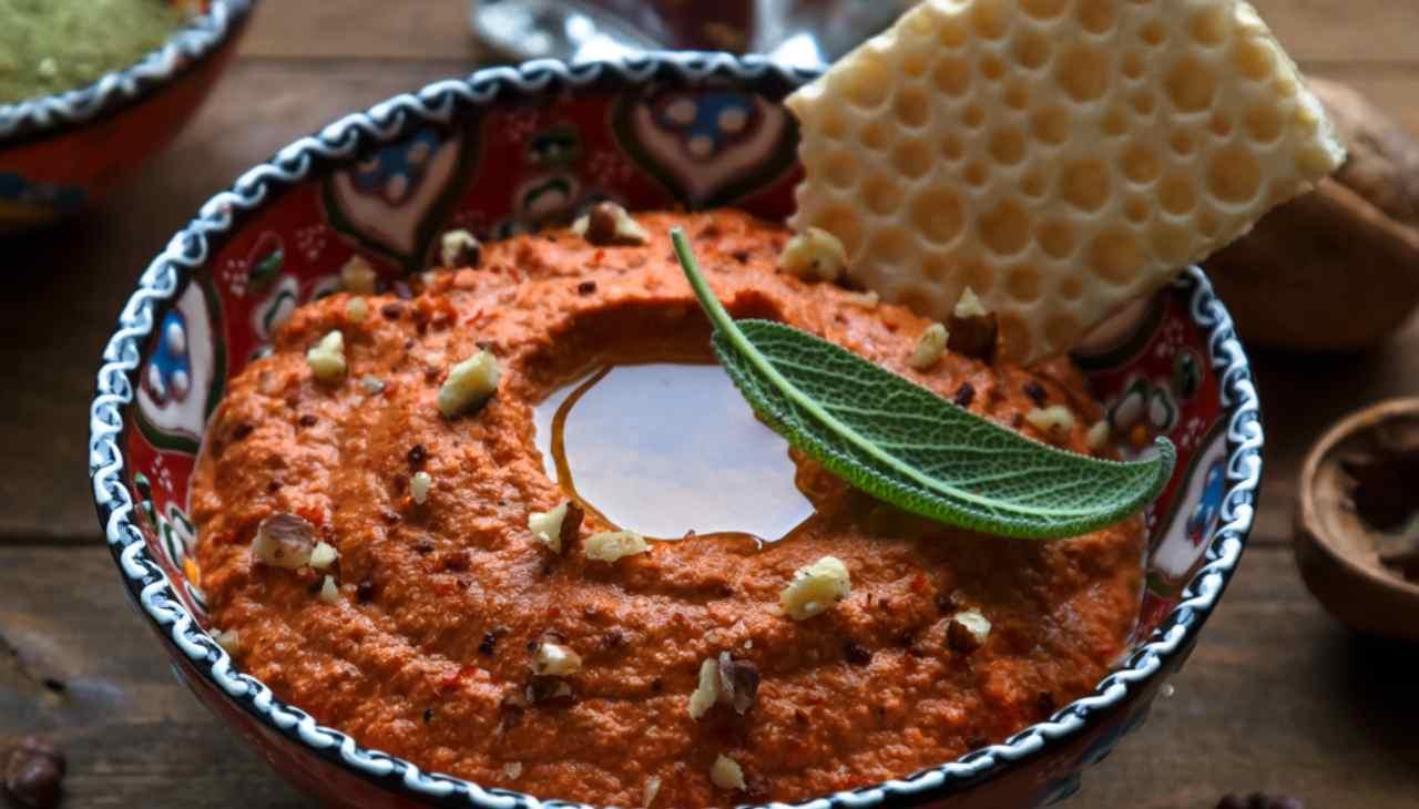 Crema di peperoni e noci