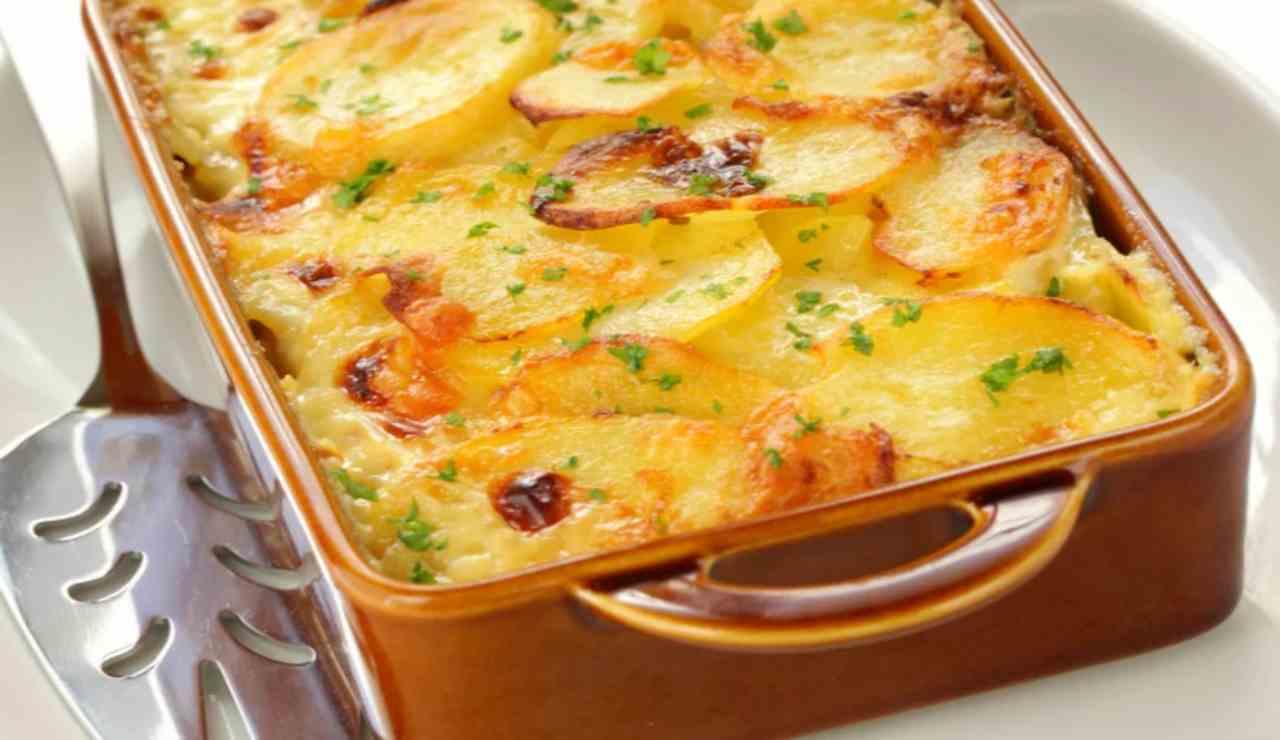 Parmigiana bianca di patate con pancetta
