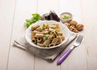 pasta pesto melanzane mandorle ricetta FOTO ricettasprint