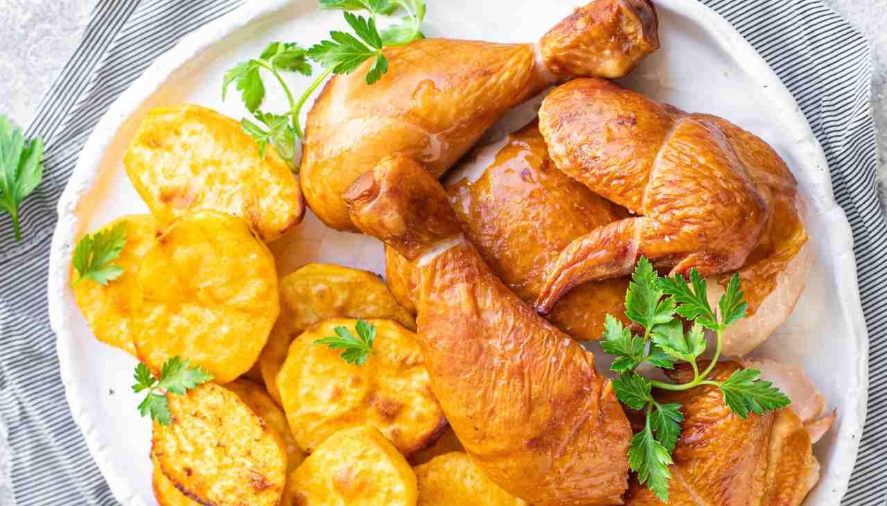 Pezzi di carne bianca marinati in limone e olio