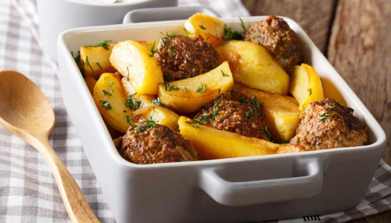 Secondo di carne con contorno di patate