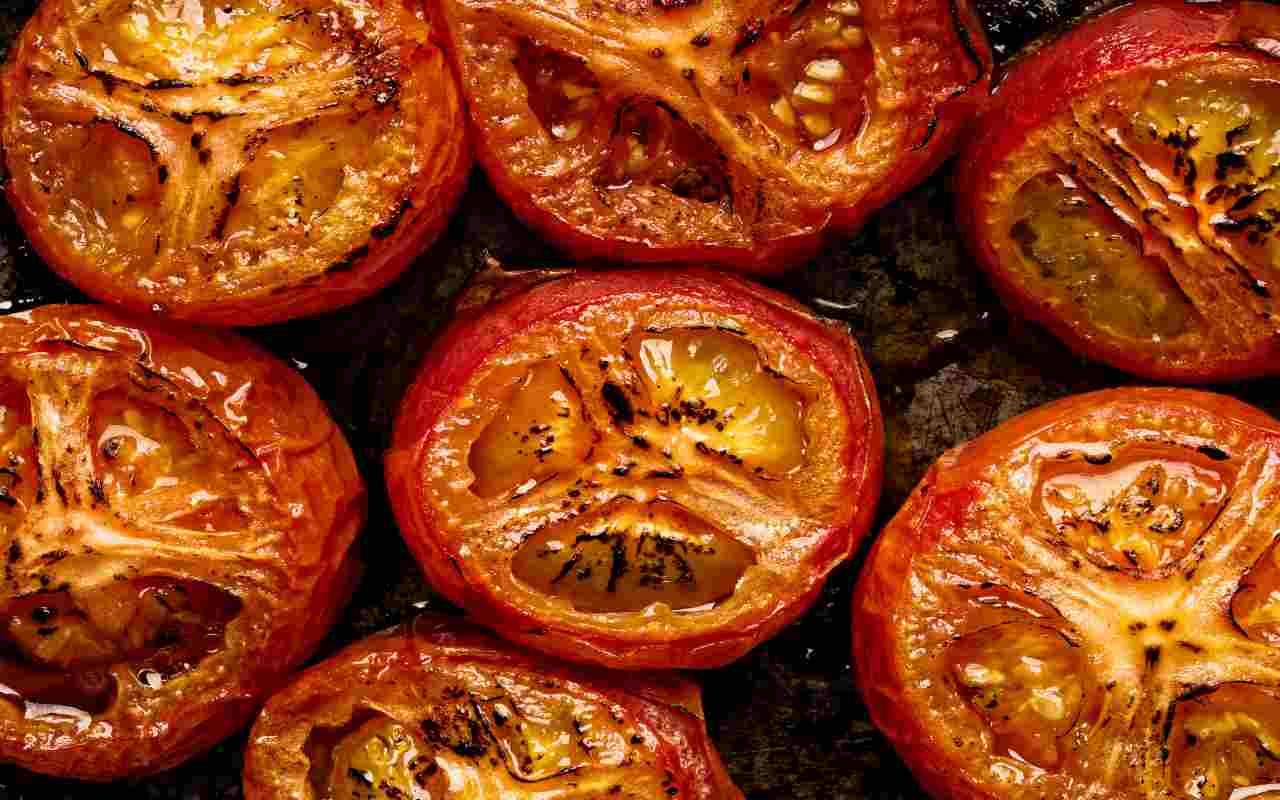 pomodori forno caramellati ricetta FOTO ricettasprint