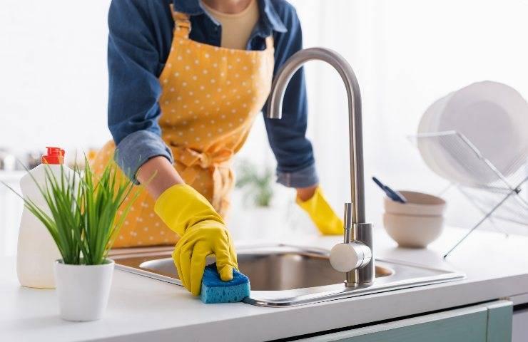 Pulire il lavabo i metodi consigliati