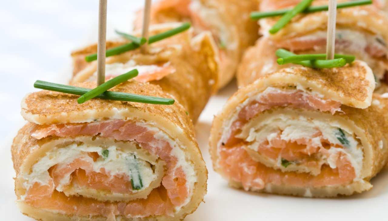 Finger food freschi ripieni di pesce e formaggio
