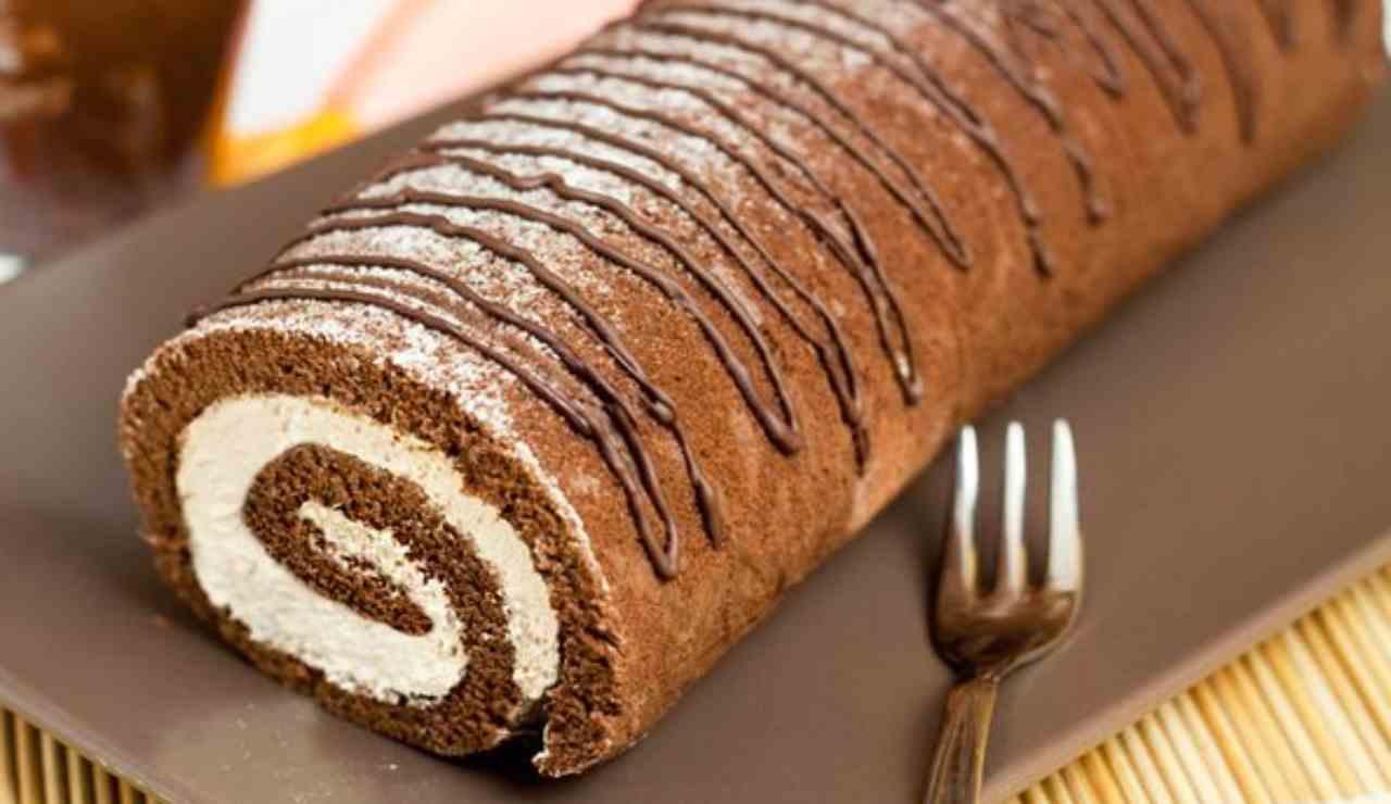 Rotolo freddo al cioccolato con crema al mascarpone e nutella