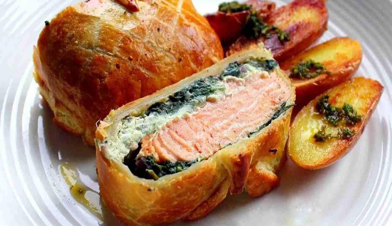 Salmone in crosta con spinaci e ricotta