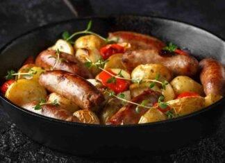 Salsicce al forno con verdure