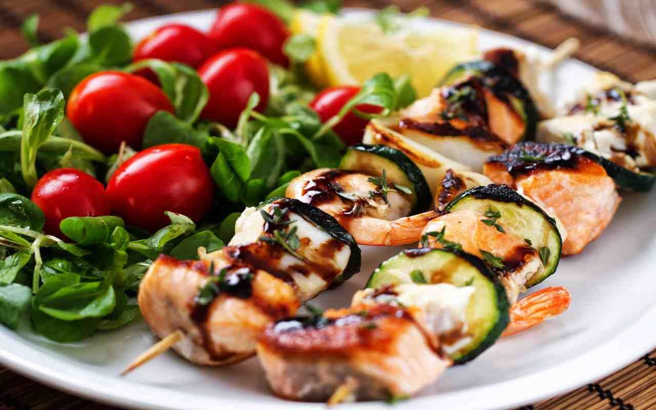 spiedini zucca zucchine salmone ricetta FOTO ricettasprint