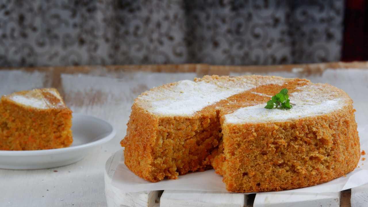 Torta carote arancia con albumi