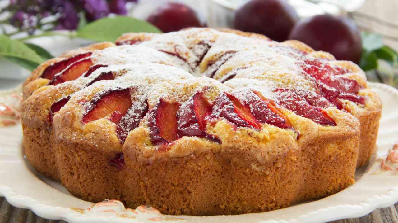 Torta con prugne