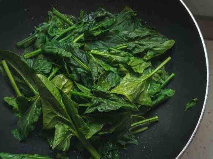 Torta con feta e spinaci