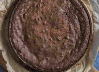 Torta veloce al mascarpone cioccolato e cappuccino AdobeStock