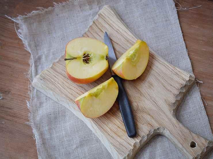 Triangoli sfogliati ripieni di mele