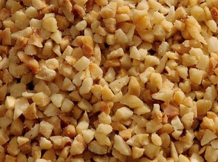 granella di nocciole