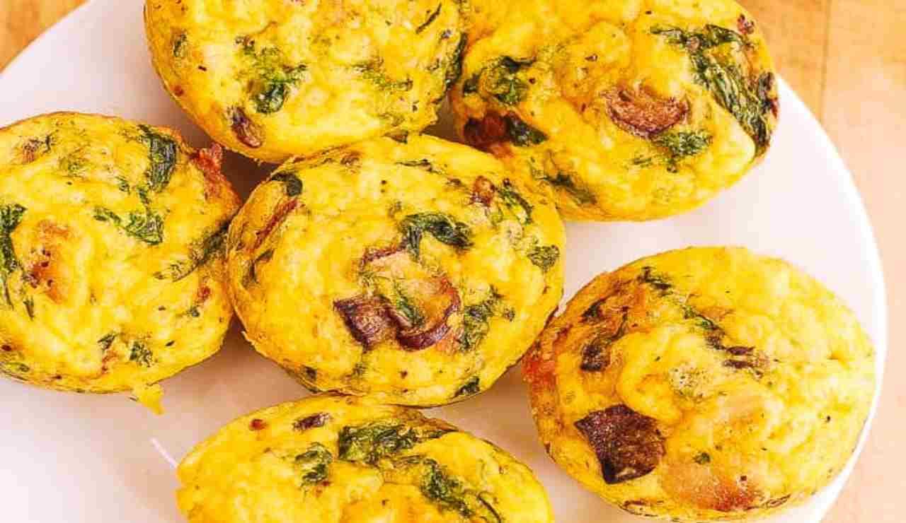 muffin di frittata con funghi ed erbe aromatiche
