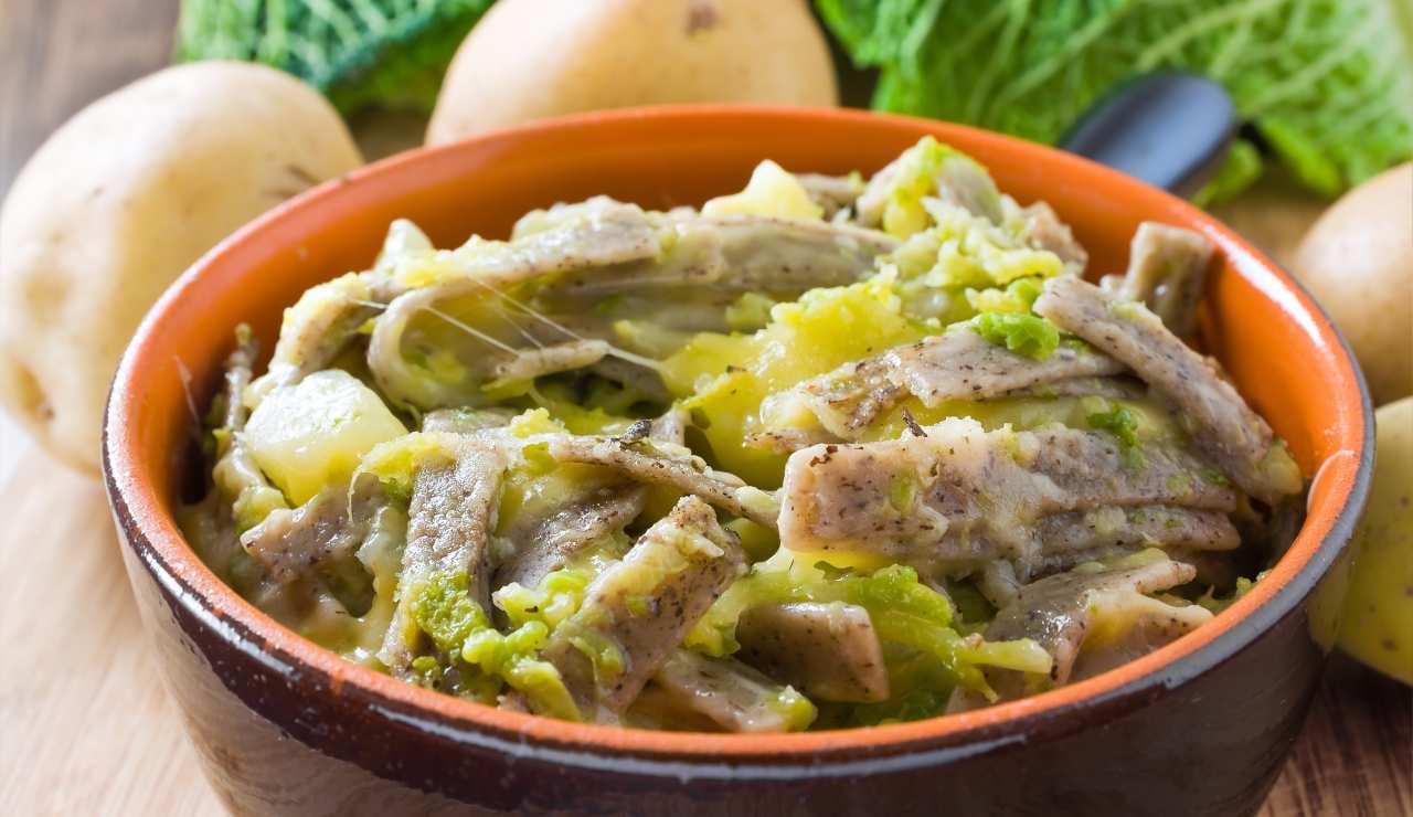 pizzoccheri filanti verza e patate ricettasprint
