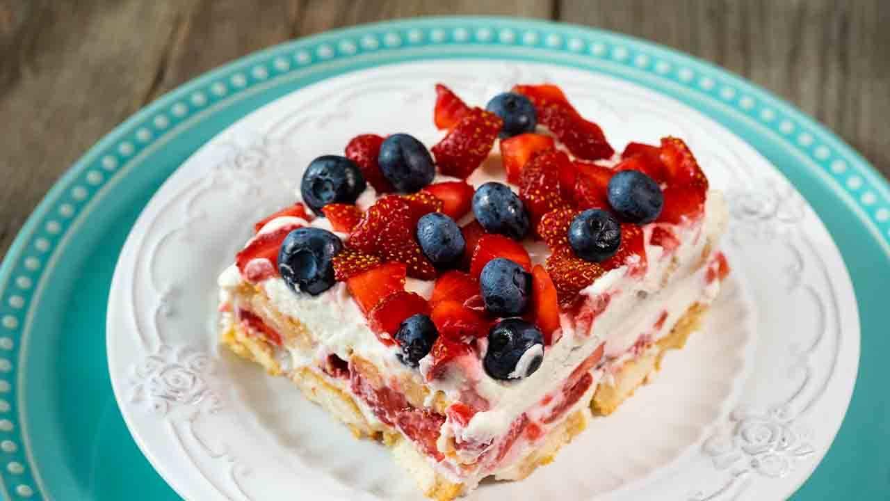 dessert vegano ai frutti rossi