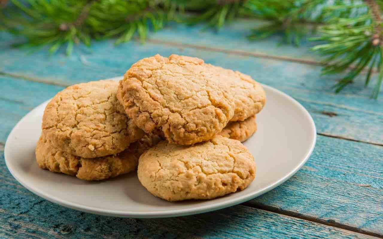 biscotti mandorle keto ricetta FOTO ricettasprint