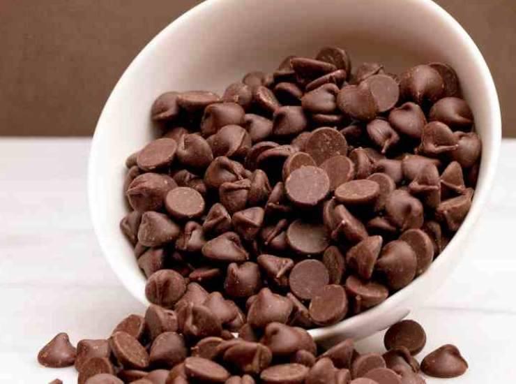 Ciambella con gocce di cioccolato
