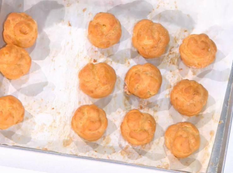 E' sempre Mezzogiorno | Ricetta della chef Francesca Marsetti | Profiteroles