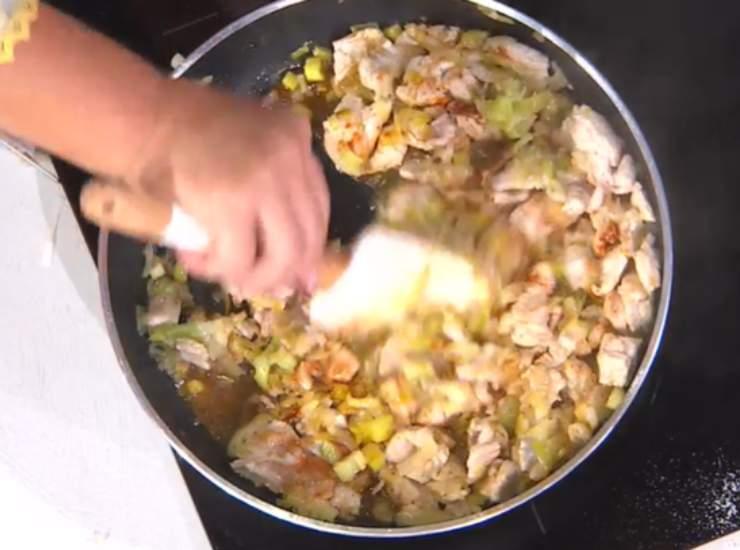E' sempre mezzogiorno   Ricetta espressa della chef Zia Cri   Spezzatino di tacchino e porri